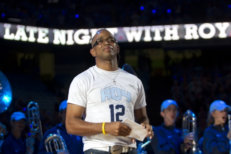 UNC Chapel Hill honors late ESPN anchor Stuart Scott at Late Night with Roy!